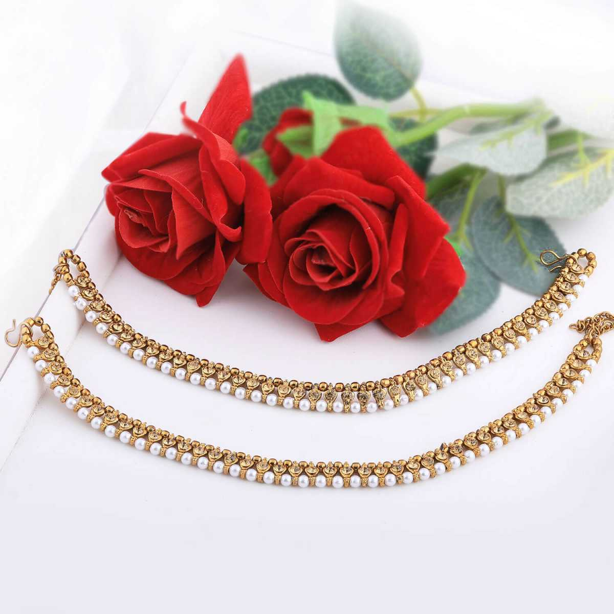 SILVER SHINE Gold Plated stylish Anklet For Women And Girl.
