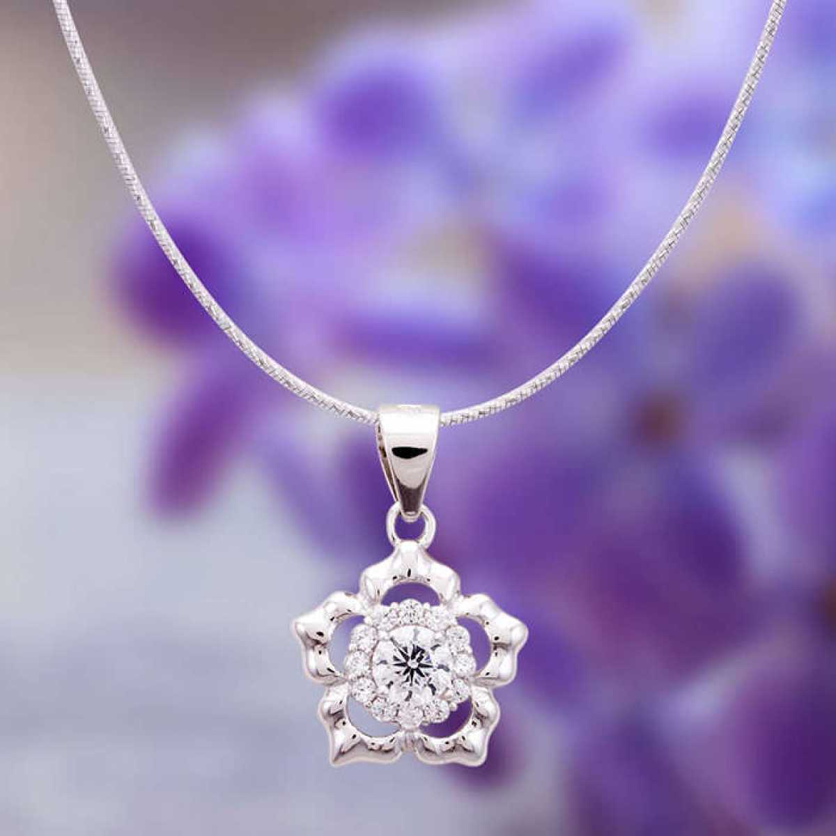 Royal Queen Style Sterling Silver Pendant Set