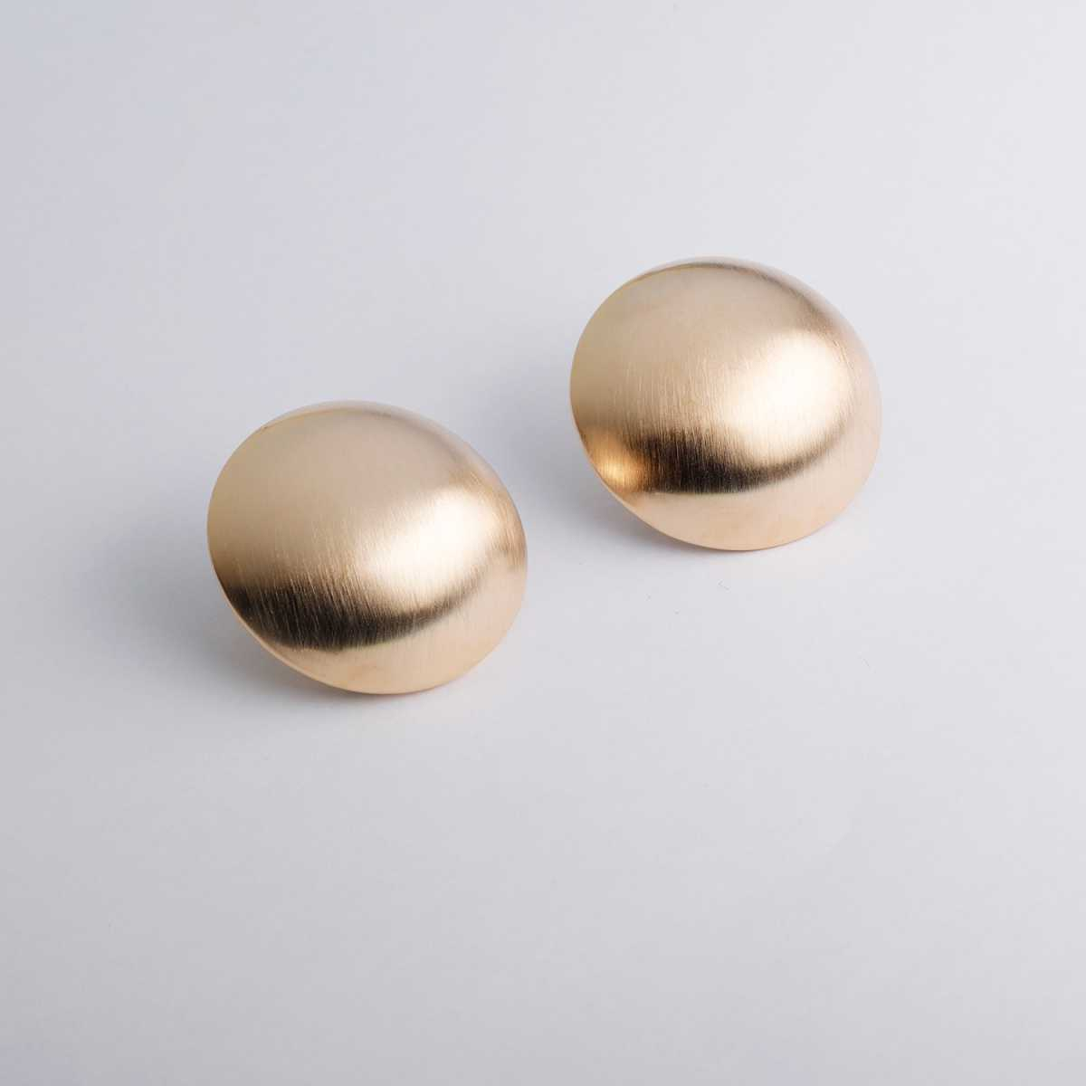 Silver Shine Stunning Gold Polished simple Stud Earring For Girls And Women
