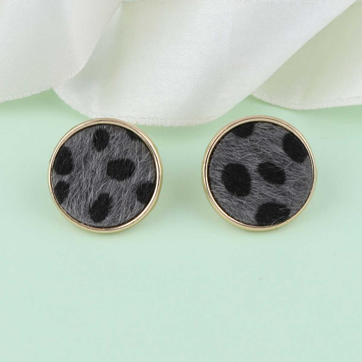 SILVER SHINE Designer Stylish Delicated Party Wear Studs Earring For Women Girl