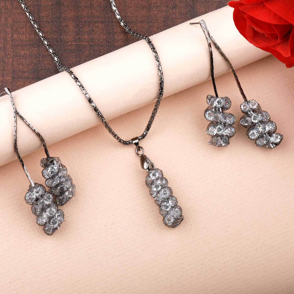 Silverplated Designer Diamond Studded Metal polish Necklace for women jewellery