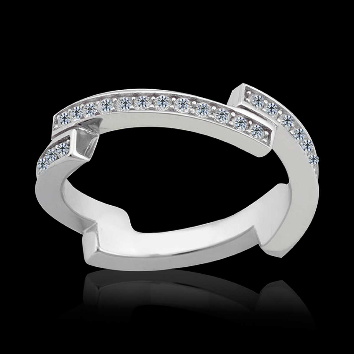 Classy Design Silver Ring