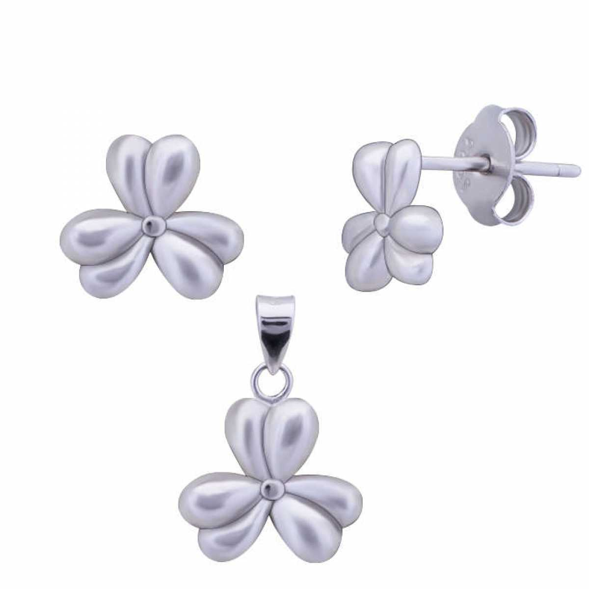 Three Leaf Flower Pendant Set