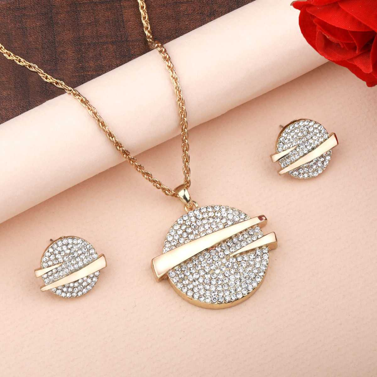 Goldplated Attractive Designer Partywear Diamond Studded Necklace for women jewellery