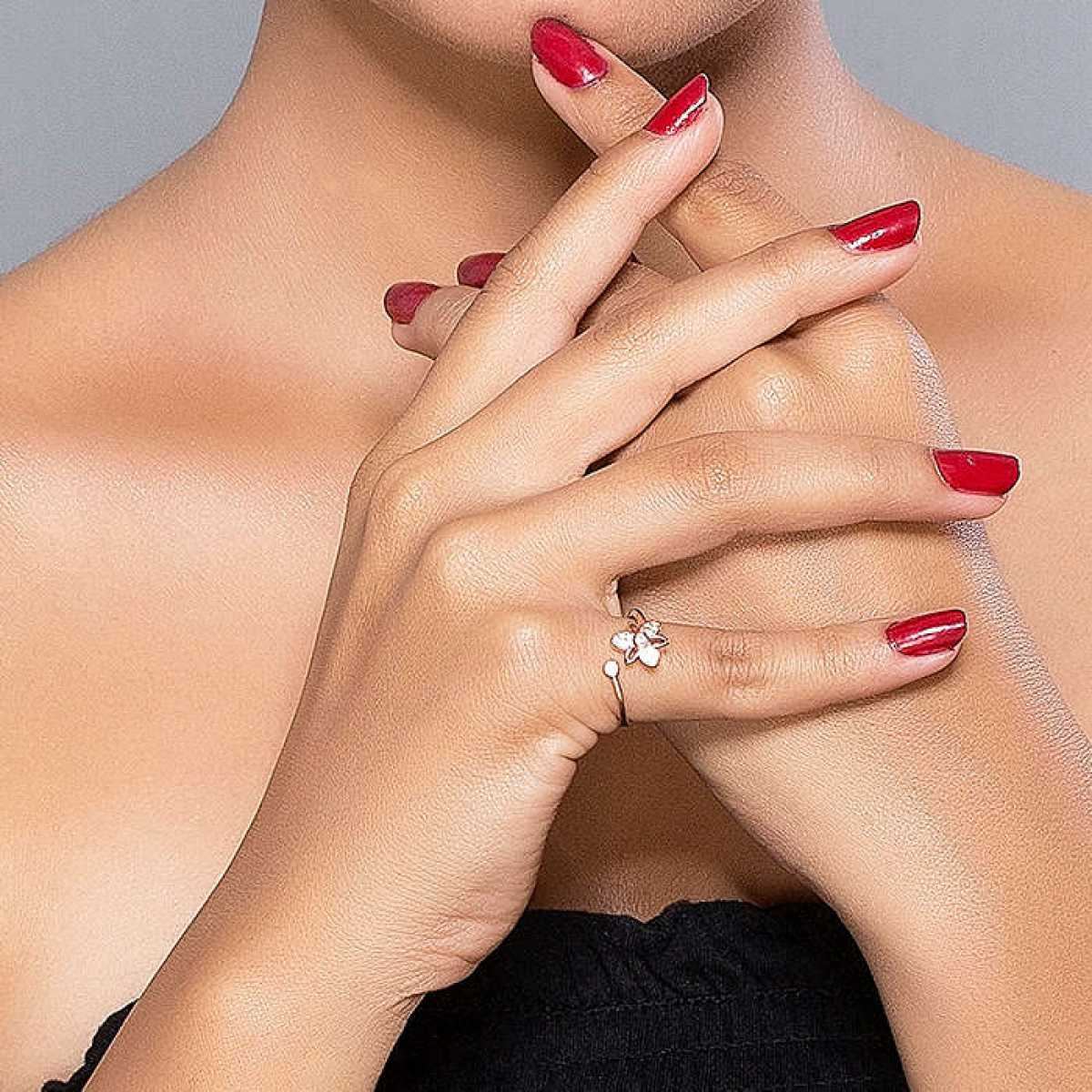 Diamond In Flower Silver Ring