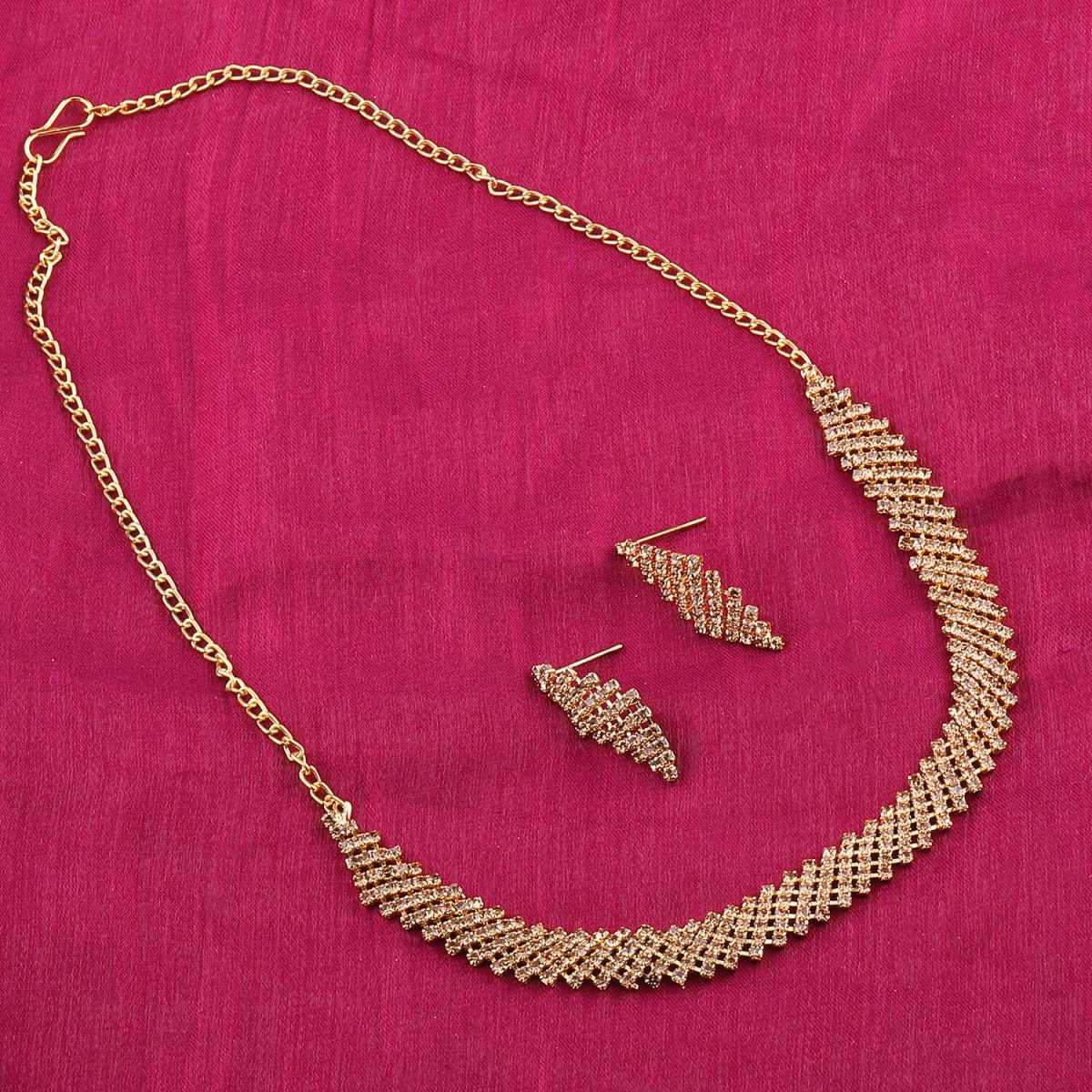 Traditional Designer Partywear Golden colour Diamond Studded Necklace Set For Women Jewellery Set