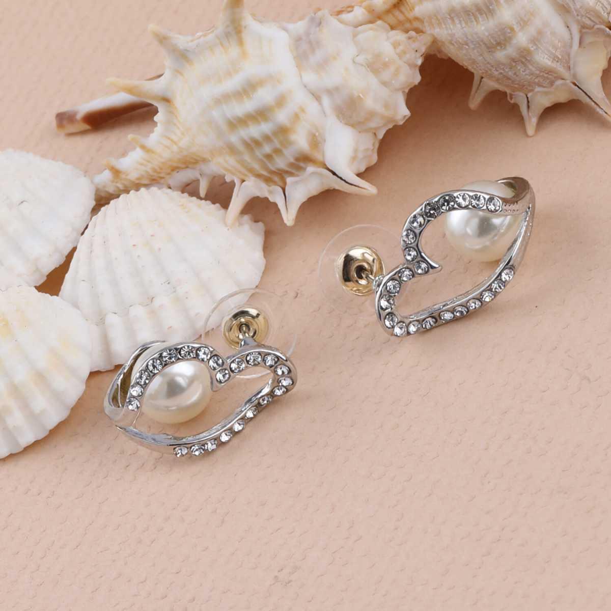 SILVER SHINE Fashion Stylish look Stud Earring For Women Girl