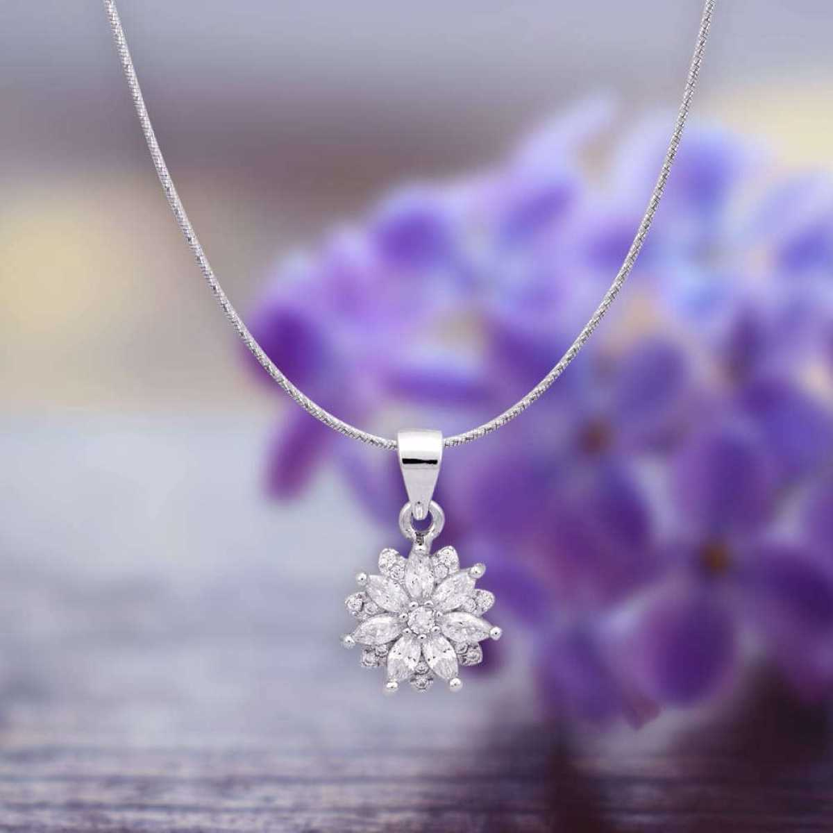 Flower Style Silver Pendant Set