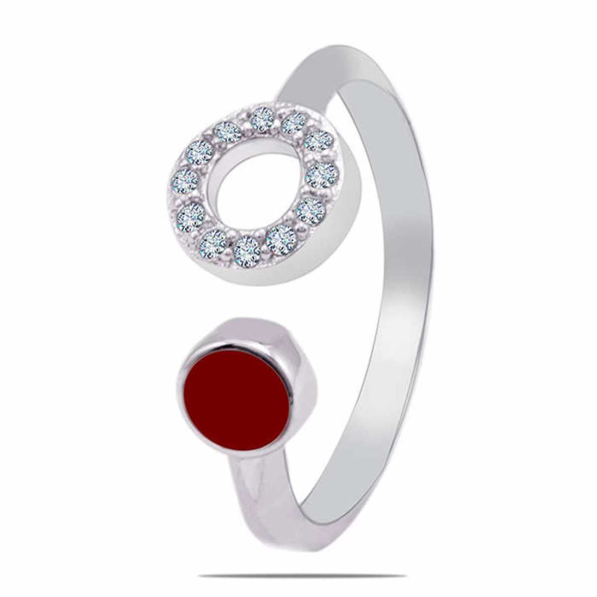 Circle with red Diamond Ring