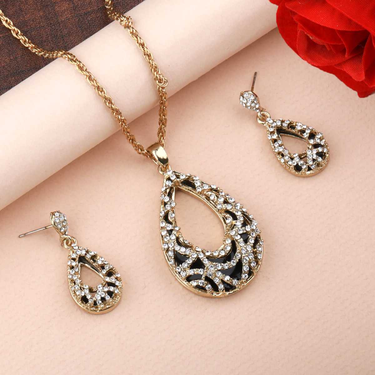 Goldplated Designer Exclusive Stone Studded Pendant Necklace set for women jewellery