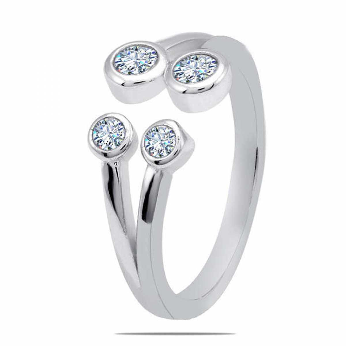 Four Circle Diamond Ring