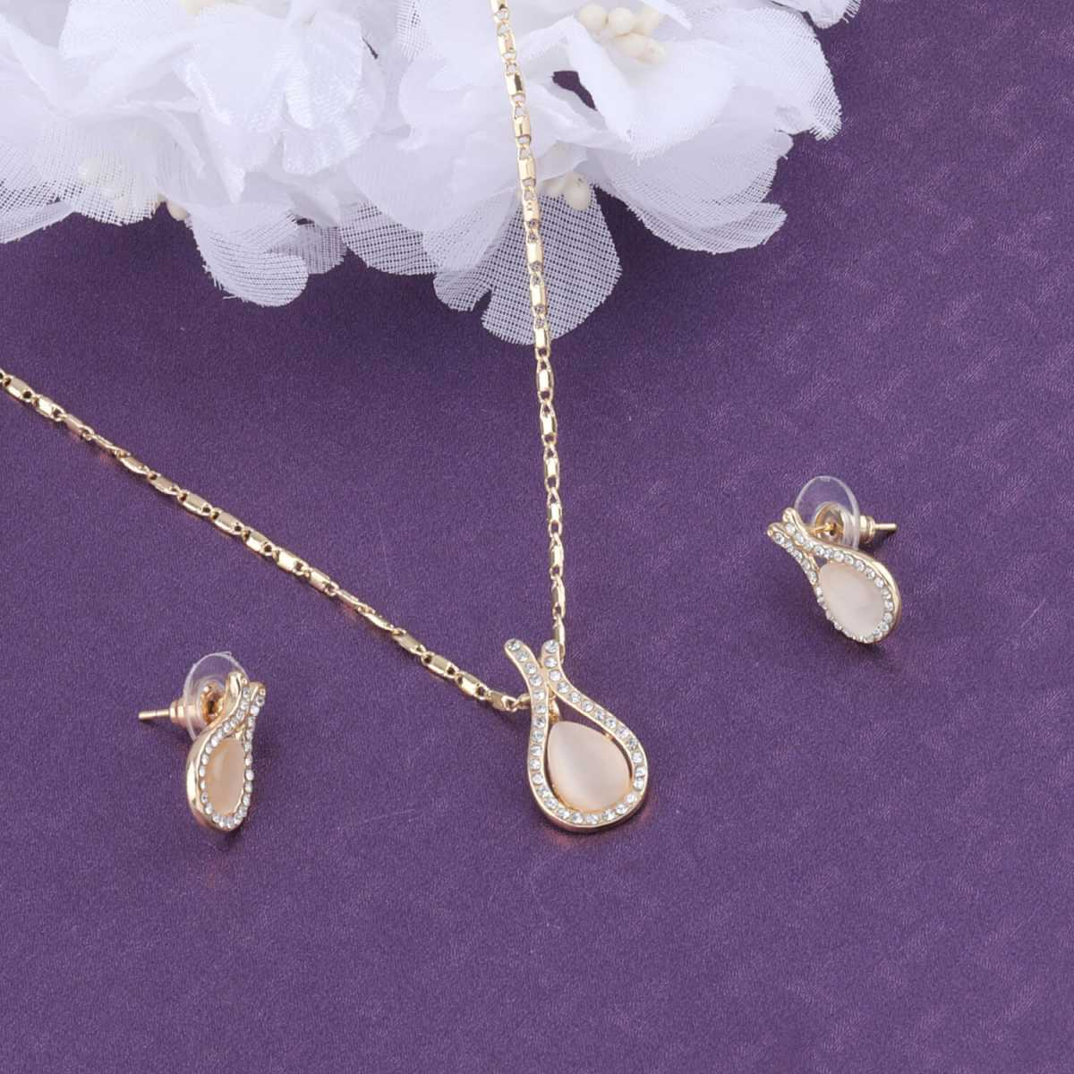 SILVER SHINE Stylish Delicate  Pendant Set For Women Girl