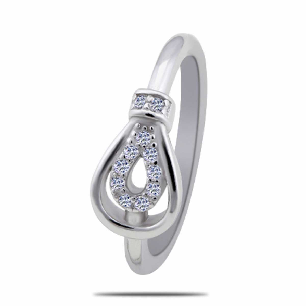 Oval Plan And Diamond Silver Ring