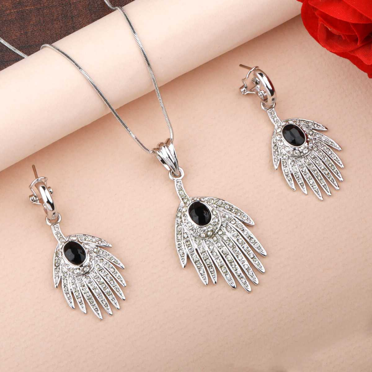 Silverplated Attractive Designer Black stone Studded Necklace for women jewellery