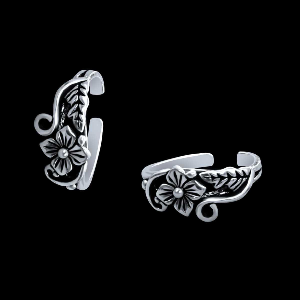 Charming Oxidised Flower  Toe Rings