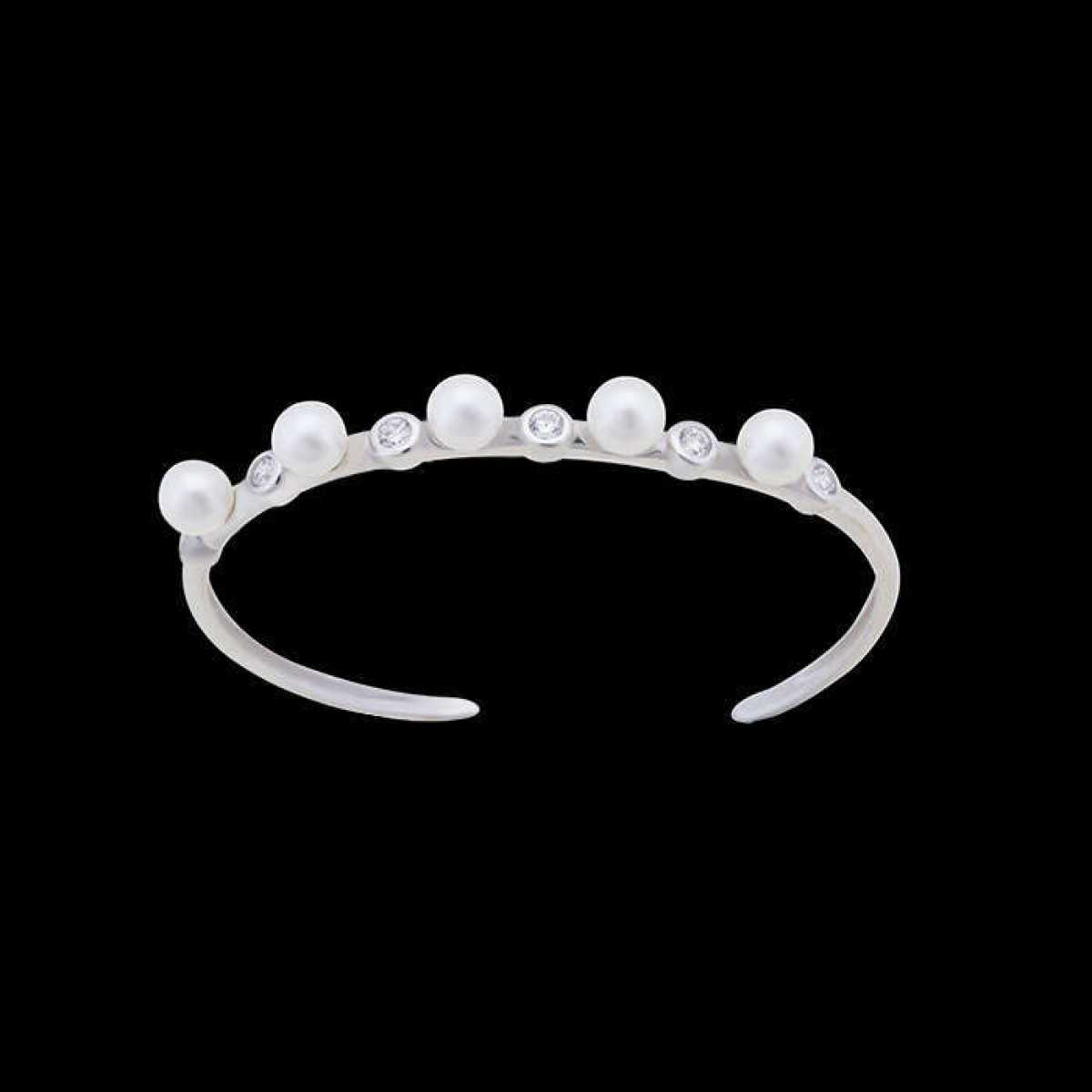 Five Pearl Hard Bracelet