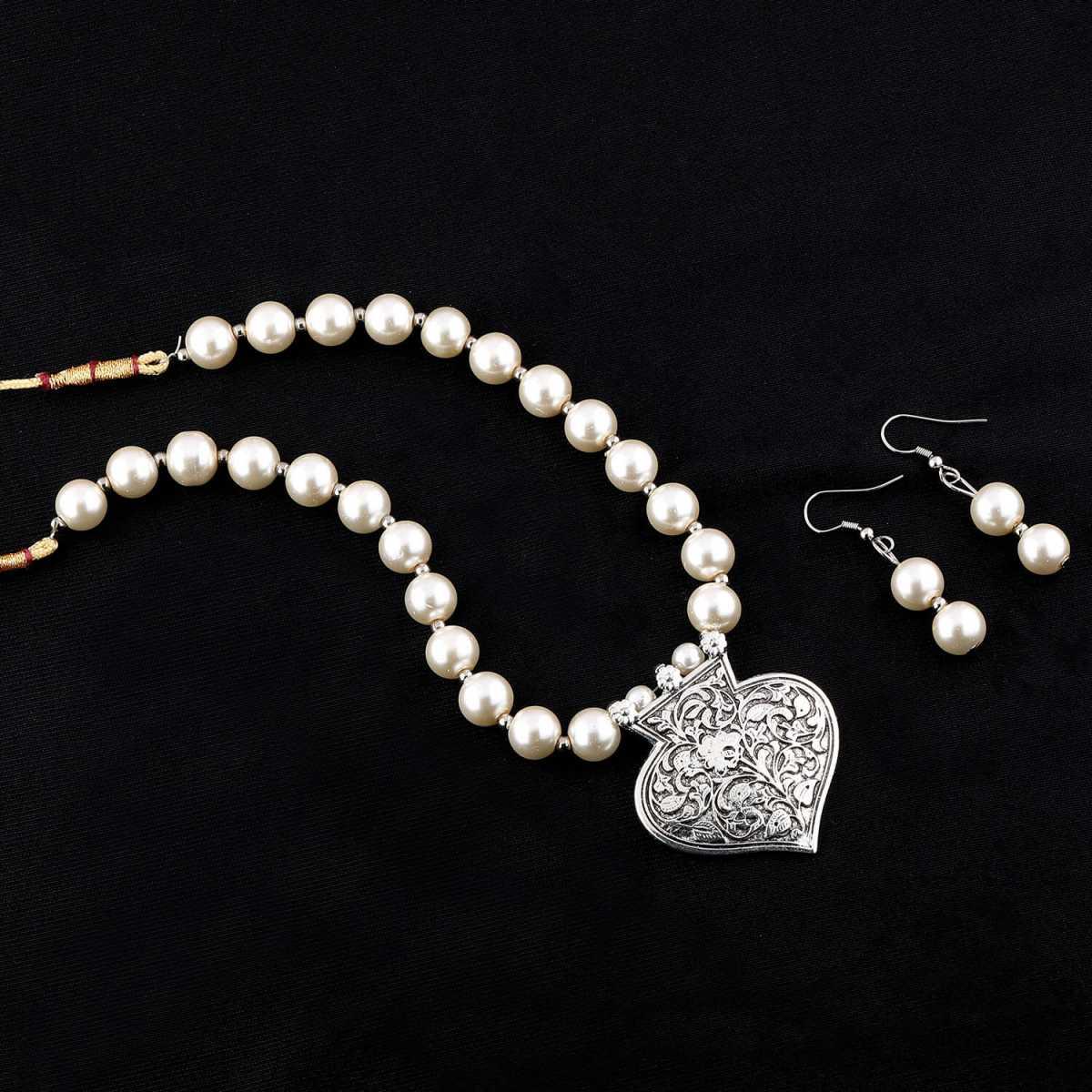 Silver plated Elegant Oxidised Pendant White Pearl Jewellery set for Women