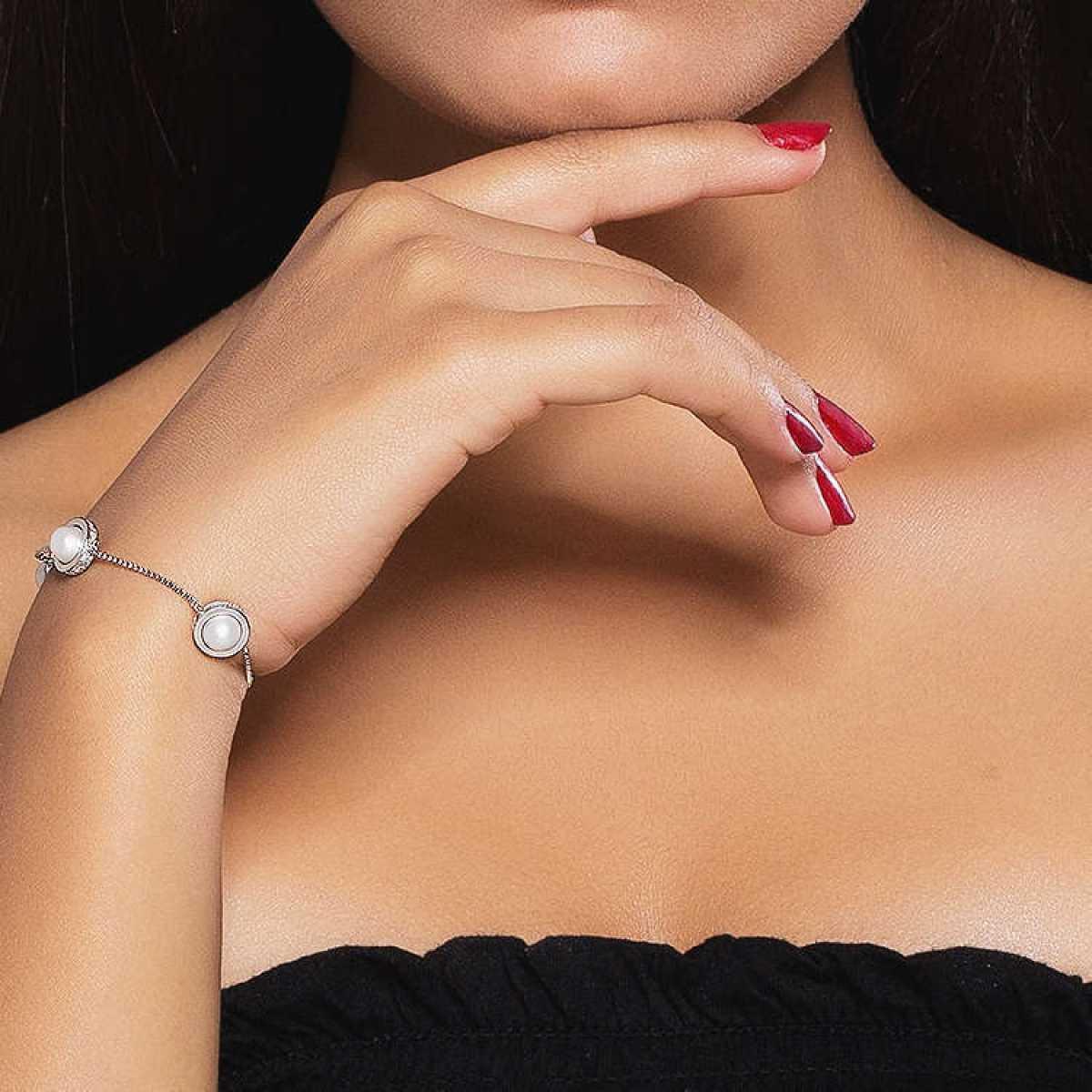 White Pearl Blazing Silver Bracelet