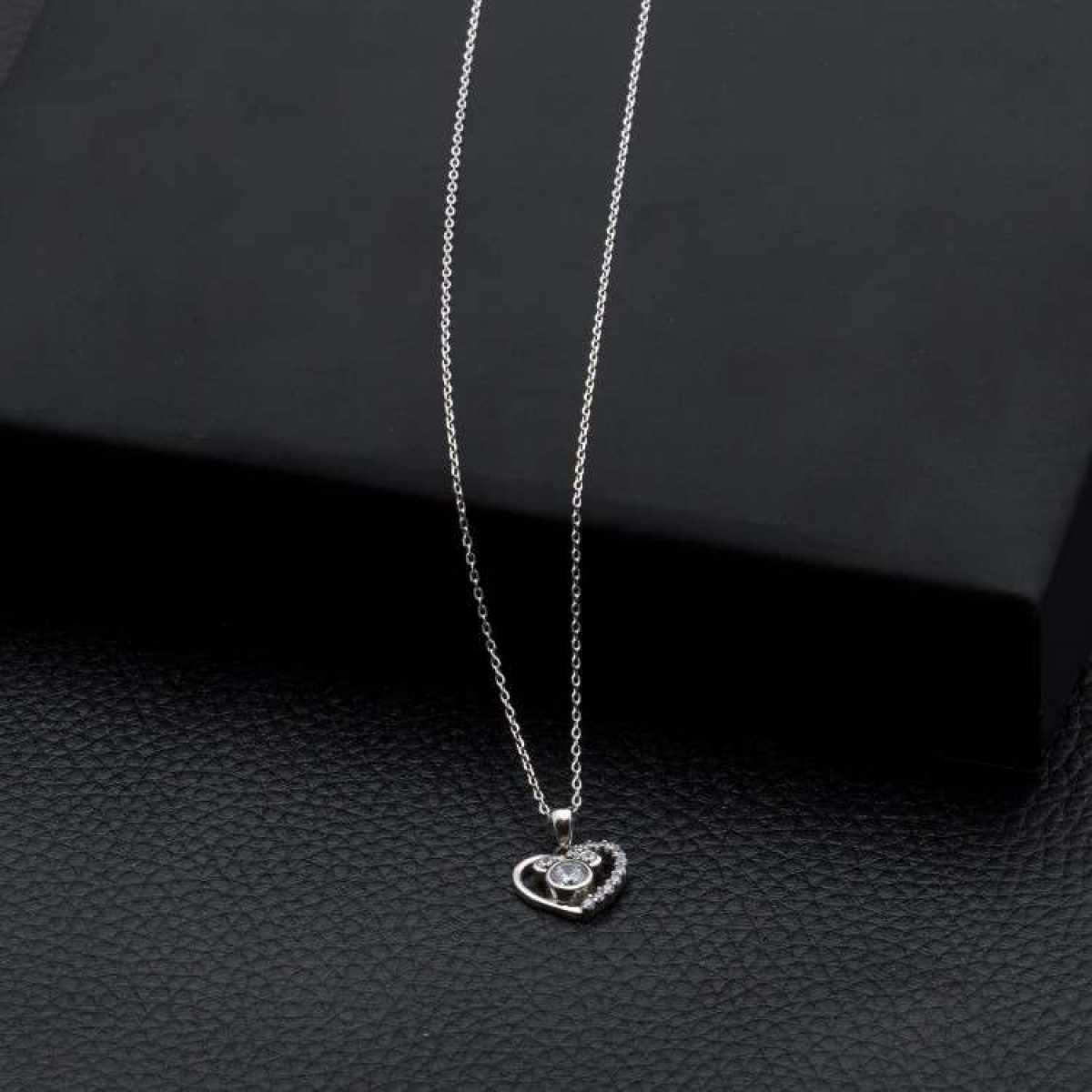 Heart With Three Diamond  Chain