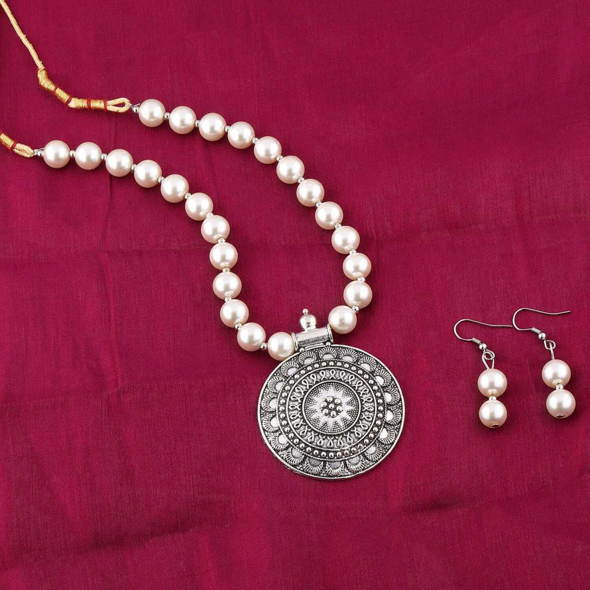 Exclusive Oxidised Pendant White Glossy Pearl Jewellery set for Women
