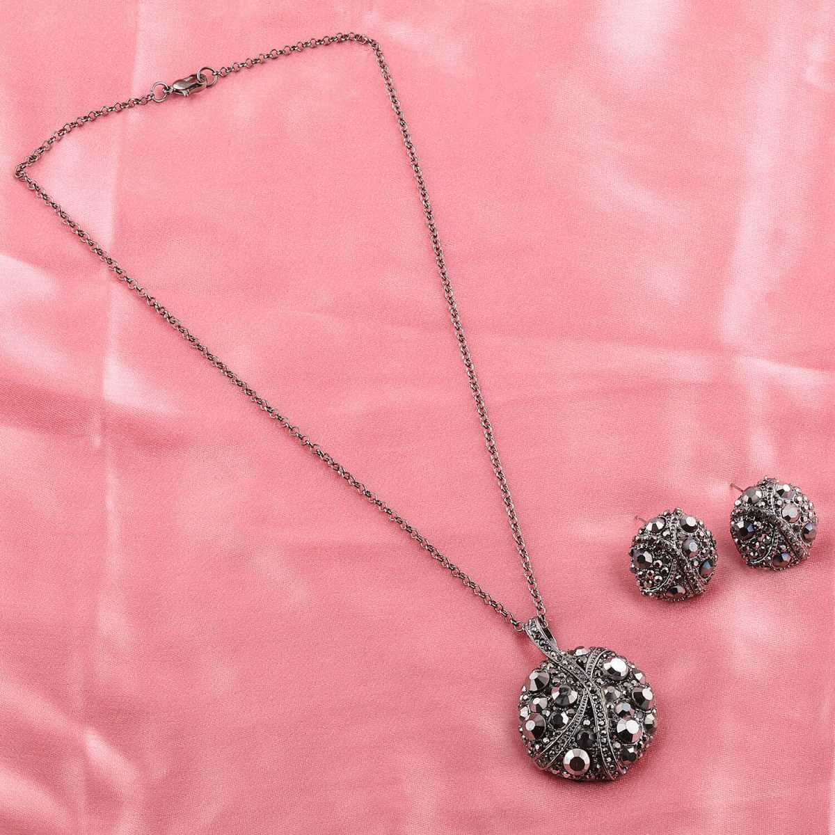 Silverplated Exclusive Designer Stone Studded Metal Finish Necklace for women Jewellery