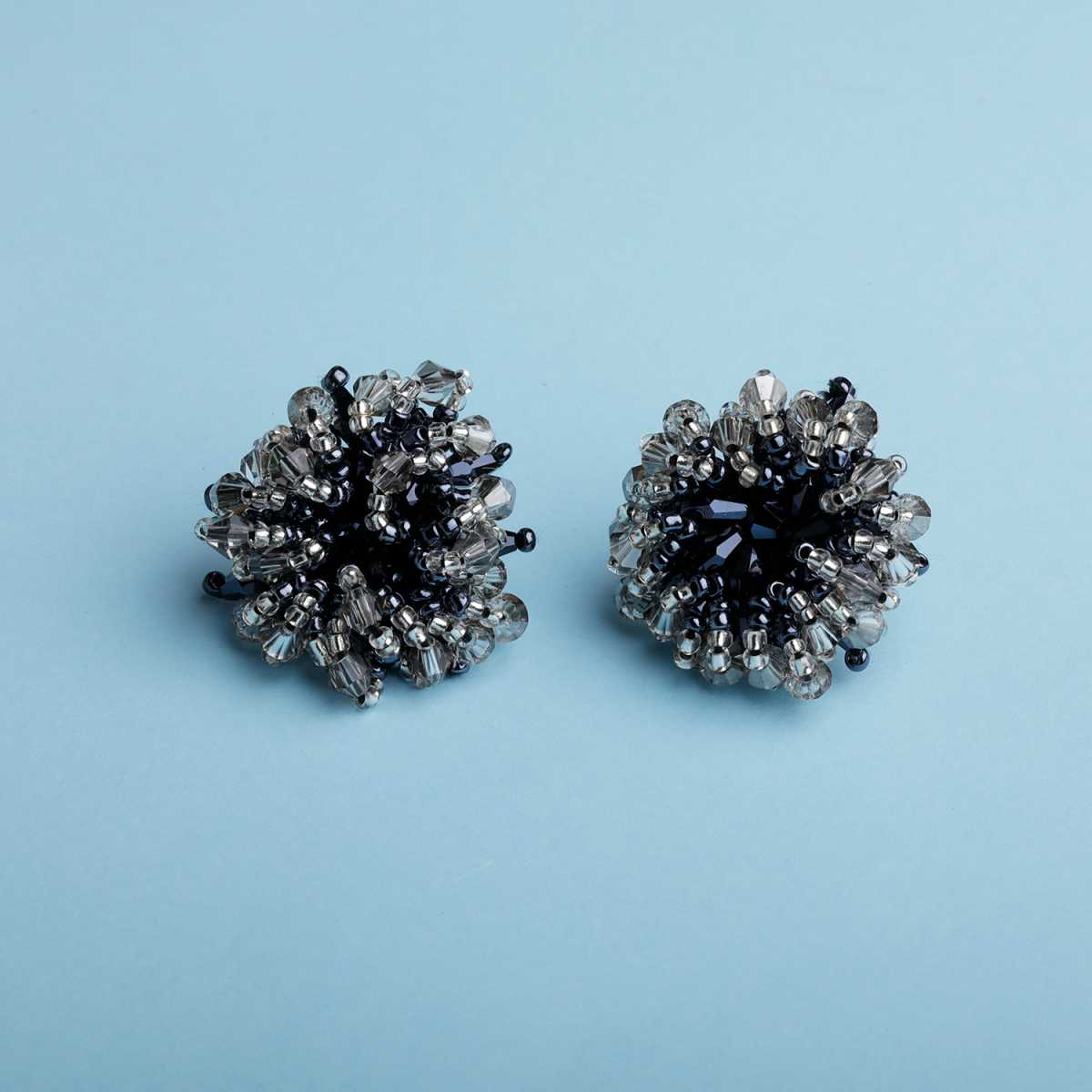 Silver Shine Charming Round Black Artificial Fancy Beads For Girls And Women