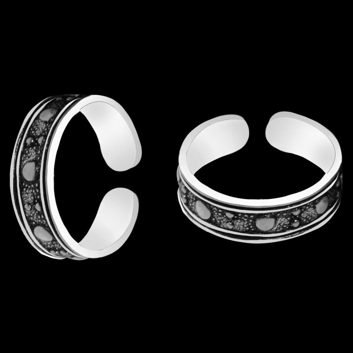 Graceful Traditional Oxidiesd Dotted  Toe Rings